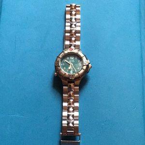 Guess woman's wristwatch stainless silver waterpro